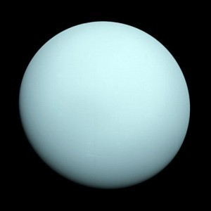A visible light image of Uranus by Voyager 2 shows almost no features. Credit: NASA/JPL/Voyager mission